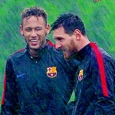 Messi And Neymar, Messi And Ronaldo, Cristiano Ronaldo Cr7, Soccer Pics, Soccer Pictures, Neymar Football, Football Players, Barcelona Football, Fc Barcelona