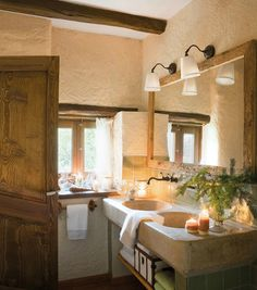 Old farmhouse with Nordic Christmas spirit in France French Country House, French Country Decorating, French Style Homes, Nordic Christmas, Christmas Decor, Old Farm Houses, Bathroom Styling, Cozy Bathroom, Bathroom Ideas