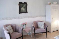 Gemütliche Sitzecke in einer der Ferienwohnungen von Haus Midsommer in Timmendorfer Strand.