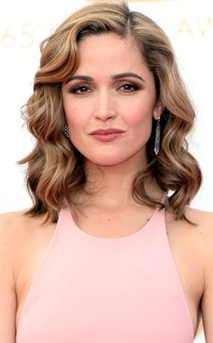 Geil Rose Bryne from Best Beauty Looks from the 2013 Emmy Awards Rose Byrne, Very Beautiful Woman, Beautiful People, Dress Makeup, Hair Makeup, Shoulder Length Waves, Romantic Hairstyles, Tips Belleza, Celebs