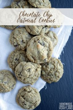Handmade in the Heartland: Chocolate Chip Oatmeal Cookies, my favorite go to… Eat Dessert First, Dessert For Dinner, Easy Cookie Recipes, Dessert Recipes, Biscuits, Oatmeal Chocolate Chip Cookies, Chocolate Chips, Yummy Cookies, Just Desserts