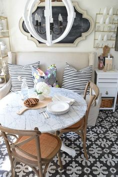 Banquette Style Seating in a Small Space - Nesting With Grace #smallspacedining #diningroom #banquetseating