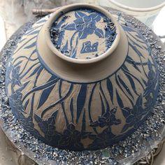 A carving moment click the image for more details. A carving moment click the image for more details. Ceramic Decor, Ceramic Clay, Ceramic Bowls, Porcelain Clay, Pottery Plates, Ceramic Pottery, Pottery Art, Ceramic Techniques, Pottery Techniques