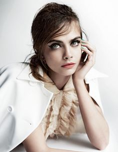 Кара Делевинь, 3