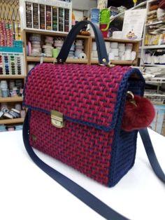 Louis Vuitton Damier, Messenger Bag, Satchel, Crochet, Pattern, Handmade, Bags, Handbags, Hand Made