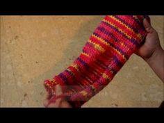 In dieser Video-Anleitung erfahrt Ihr, wie Filzhausschuhe gestrickt werden. Die Anleitung ist in zwei Teile aufgeteilt.