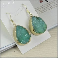 1 Pair Geode Nature Druzy Earrings in Green color by mingyuexin