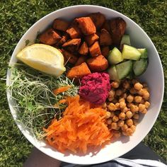 Alfresco dining ☀️ ya gotta luv it. A simple dinner bowl for me tonight. I roasted a big batch of sweet potato which will be the basis of dinner for the next 2 evenings. Anyone else eating alfresco tonight? Whole Food Recipes, Vegan Recipes, Dinner Bowls, Salad Ideas, Al Fresco Dining, Vegan Friendly, Plant Based Recipes, Sweet Potato