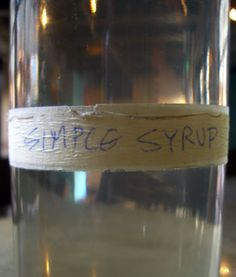 Simple Syrup Recipe food lovable-food food-and-recipies Cocktail Drinks, Fun Drinks, Yummy Drinks, Healthy Drinks, Beverages, Cocktails, Cocktail Recipes, Drink Recipes, Make Simple Syrup