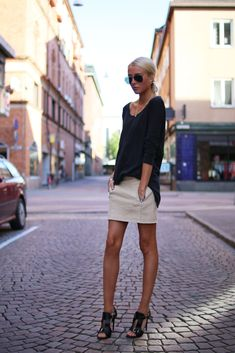 Mini skirt, heels and oversized tee