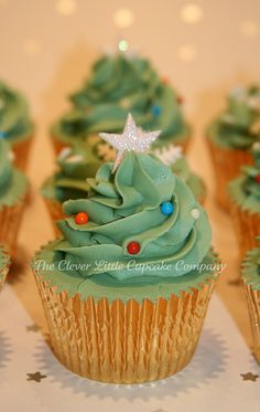 Kristie - please make these next year or I will! Christmas Tree Cupcakes, Christmas Desserts, Christmas Foods, Christmas Christmas, Holiday Baking, Christmas Baking, Cake Packaging, Cupcake Cakes, Cup Cakes