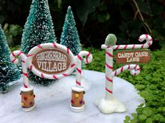 Miniature FAIRY GARDEN Mini Village ~ Gingerbread Lane CHRISTMAS Set of 2 Signs