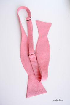 Men's Adjustable Bow Tie {Free Pattern} | momofmarlee