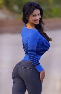 Créanlo o no, todito es de verdad, verdad. | Denise Milani, modelo checa. Denominada como «la nueva reina del erotismo» y conocida por sus «pechos naturales», es ahora una de las modelos más famosas de su generación (¿por qué será?), y aunque nunca revela las partes más íntimas de su cuerpo.
