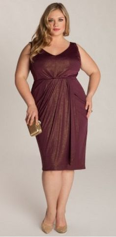 You can not go wrong with simple elegance. This dress is a winner for full figured women. Notice how the V neckline, wide straps, cinched in waist and vertical draping in the skirt give her curves and elongate her silhouette. Repin this!