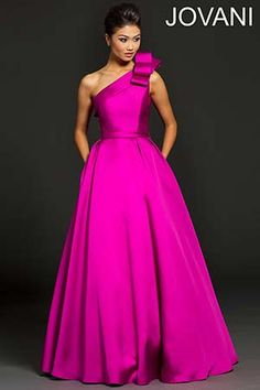 Evening Dresses, New arrivals, Thousands of choices. Evening gowns and Formal evening dresses you must have. Win a free Evening Dress or gown, and more giveaways every day. Prom Dress 2014, Prom Party Dresses, Wedding Dresses, Dresses 2014, Prom 2016, Designer Evening Dresses, Designer Gowns, Mint Bridesmaid Dresses, Winter Typ