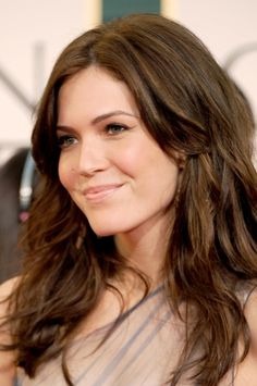 Mandy Moore shows off a great hairstyle for a round face