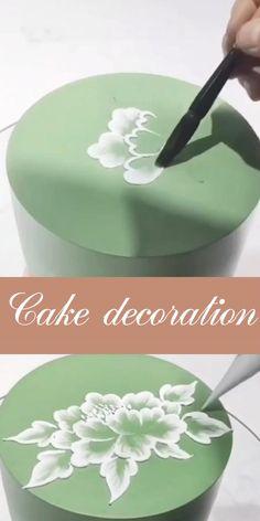 Cake Decorating Frosting, Cake Decorating Designs, Creative Cake Decorating, Cake Decorating Techniques, Cake Decorating Tutorials, Cookie Decorating, Decoration Patisserie, Dessert Decoration, Cookie Cake Decorations