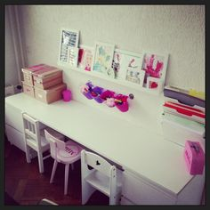 Kids Art corner! #knutselhoek #tekentafel #playroom