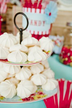 Step right up, step right up! We've got quite the spectacular wedding for you on this lovely Thursday afternoon. Sent into us my the obviously talented Elyse Hall, this whimsical, circus themed wedding is so well executed that you really