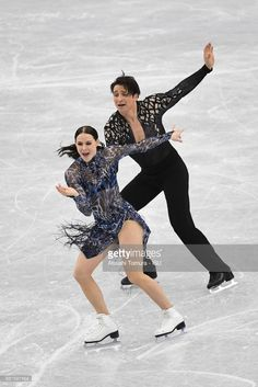 Tessa Virtue and Scott Moir of Canada compete in the Ice dance short dance during the ISU Junior & Senior Grand Prix of Figure Skating Final at Nippon Gaishi Hall on December 2017 in Nagoya, Japan. Virtue And Moir, Tessa Virtue Scott Moir, Ice Skating, Figure Skating, Love On Ice, Tessa And Scott, Dance Shorts, Ice Dance, Ice Ice Baby