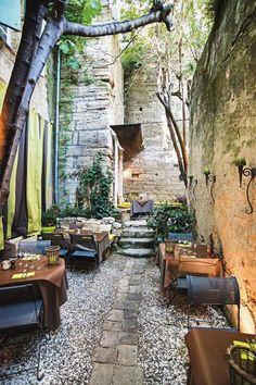 le bec a vin   Uzes, France