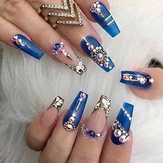 Lovely beauties by @glamour_chic_beauty ... #nailsthatslay #nailstagram #nailsgram #nailartdesigns #nailart #cutenails #bluenails #nailsoftheday #nailartaddict #nails #notd #nailartists #nailtechs #glitternails #bluenails #PASSIONATENAILTECHS #PASSION4NAILART #P4NA