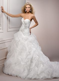 LOVE LOVE LOVE LOVE! Although I definitely DO NOT have the arms, or waist for that matter, for this dress