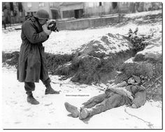 Battle of the Bulge, dead Waffen soldier filmed by US soldier