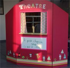 Wooden theater Spades and glue and gram Diy Arts And Crafts, Fun Crafts, Puppet Show Stage, Diy For Kids, Crafts For Kids, Sock Puppets, Diy Cardboard, Creative Play, Toddler Activities