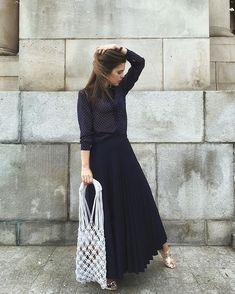 Joanna Hoffmann | art&elegance (@freakery) • Fotos e vídeos do Instagram Maxi Skirt Outfits, Tulle, Elegant, Skirts, Instagram, Dresses, Art, Fashion, Classy