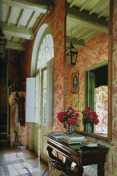 Eye For Design: Decorating With Red Toile. Gorgeous foyer.