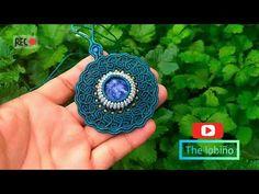 Collar tejido 100% peruano ((MACRAME)) Macrame Jewelry Tutorial, Macrame Necklace, Macrame Patterns, Crochet Patterns, Collar Macrame, Wire Crochet, Macrame Knots, Crochet Earrings, Weaving