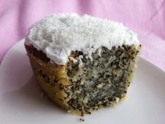 Mohnkuchen Turkey: Turkish poppy seed cake - Cooking around the globe A Cabin Theme for Your Dwellin Healthy Dessert Recipes, Raw Food Recipes, Fall Recipes, Delicious Desserts, Yummy Food, Cheesecakes, Fitness Cake, Gym Fitness, Poppy Seed Cake