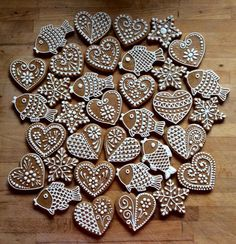 Christmas Dishes, Christmas Makes, Christmas Cooking, Christmas Mood, Christmas Goodies, Christmas Treats, Gingerbread Decorations, Handmade Christmas Decorations, Christmas Gingerbread