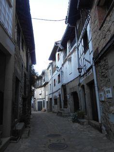 Villanueva del Conde. Calle Larga que rodea las huertas