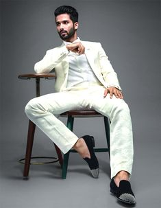 Shahid Kapoor to get more hd and latest photo click here http://picchike.blogspot.com/
