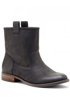 Cute boots that I would buy in a heartbeat