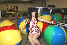 Katy Perry backstage - California Dreams Tour - The Cobra Snake