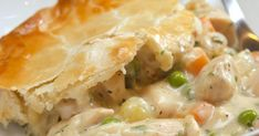 It doesn't get much more classic than a really good Chicken Pot Pie like Mom and Grandma used to make. This ultimate in comfort food is pretty simple, too! Chicken Pot Pie Casserole, Best Chicken Pot Pie, Frozen Peas, Creamy Sauce, Chicken Seasoning, Pie Recipes, Chicken Recipes, Recipies, Cheap Recipes