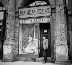 A kép forrását kérjük így adja meg: Fortepan / Budapest Főváros Levéltára. Levéltári jelzet: HU.BFL.XV.19.c.10 Budapest, Shops, Old Signs, Good Old, Old Pictures, Historical Photos, Hungary, History, Archive