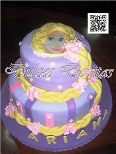 Torta Infantil de Rapunzel , en finos detalles de masa elástica.