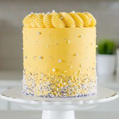 This bright and bold yellow 💛 cake with a tip rope border by Sweet Treats Cochrane is putting is Wilton Cake Decorating, Cake Decorating Supplies, Birthday Cake Decorating, Decorating Ideas, Wilton Cakes, Fondant Cakes, Candy Cakes, Cupcake Cakes, Cupcake