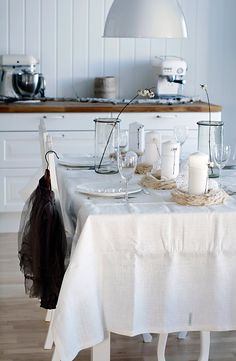 I love whites and creams together!!