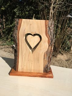 Diy wood projects, wood crafts, diy crafts, tree carving, wood ca Diy And Crafts Sewing, Diy Crafts To Sell, Home Crafts, Woodworking Workshop, Woodworking Crafts, Woodworking Plans, Woodworking Furniture, Woodworking Tools, Creation Deco