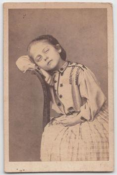 CDV 1880 C.A. RITRATTO DI  BAMBINA BY ANONIMO-2542