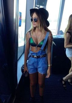 Overalls are perfect for festival outfits! Insta_Rave