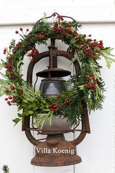 20161107-img_4968 Christmas Lanterns, Rustic Christmas, Christmas Wreaths, Merry Christmas, Christmas Decorations, Holiday Decor, Christmas Ideas, Villa, Cottage Style