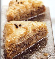 Μπακλαβάς με Καρύδια Greek Sweets, Greek Desserts, Greek Recipes, National Dish, Sweets Cake, Spanakopita, Dishes, Chocolate, Ethnic Recipes