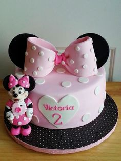 MINNIE MOUSE  - Cake by Enza - Sweet-E